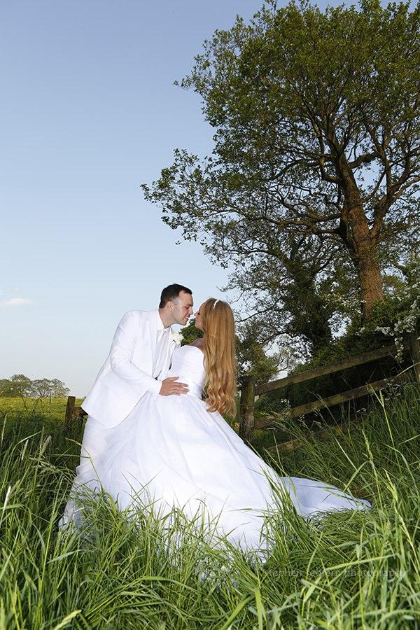 Gemma russell wedding photography stephen redfern for Small wedding photography packages