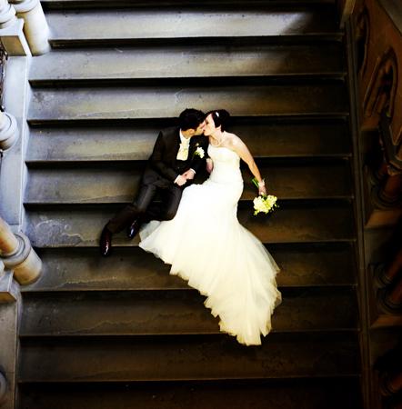 wedding-couple-on-steps